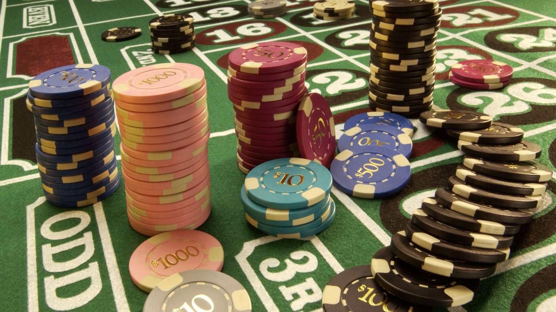 казино стол с фишками